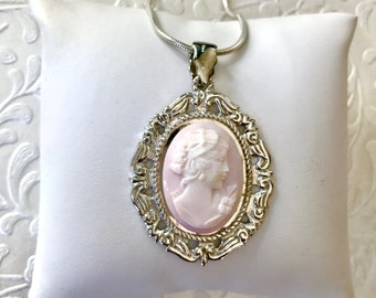 Pink Necklace, Pink Wedding, Pink Cameo Necklace, Pink Bridal Necklace Jewelry, Pink Wedding, Vintage Cameo, Shell Necklace, Gift for Bride
