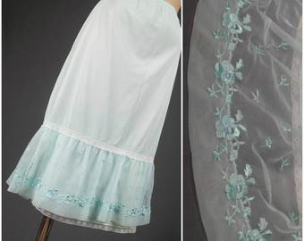 nylon half slip vintage lacy chiffon kayser 50's pinup lingerie lace bombshell baby blue embroidered petticoat wide hem size lg