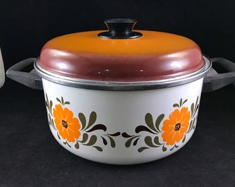 Vintage 1970s Enamelware Flower Power Dutch Oven Pan with Lid Cookware