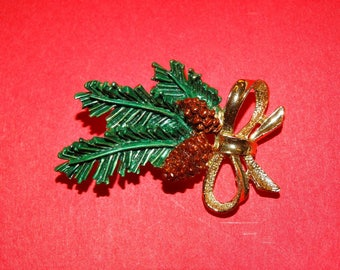 Christmas Pin, Pine Needle Tree Pin, Pine Cone Brooch, Green, Christmas Pin, Fur Coat Pin, Brooch, Pine Tree, Pin, Lot #95