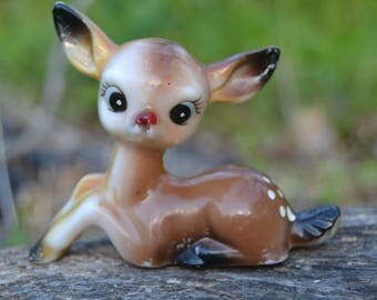 Vintage 60s Kitschy Brown Plastic Sitting Seated Deer Figurine Big Eyes Bambi Mid Century Kitsch
