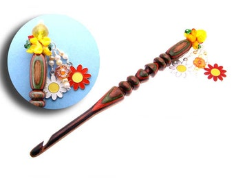Handmade Wood Crochet Hook Pansy and Daisies size K