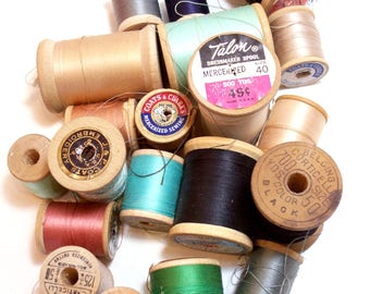 Wood Spools, Vintage Thread on Wooden Spools set of 20, Vintage Wood Spools