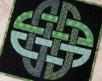 Celtic Twist Quilt from Quilts by Elena Traditional Green on Black Wall Hanging Table Topper Runner