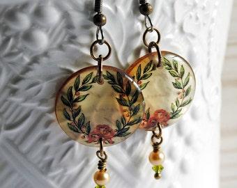 christmas earrings,vintage wreath earrings, christmas earrings, resin earrings, gifts for her, gifts under 20