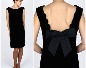 Vintage 1960s Black Velvet Shift Dress with Scallop Detail and Large Bow by Elinor Gay | Small/Medium
