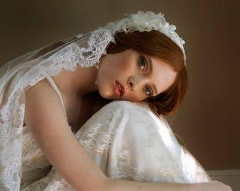 Juliet cap bridal veil, Chantilly Lace wedding veil - Marianne no. 2222