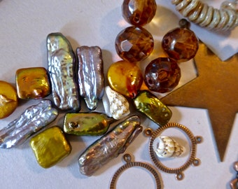 Mix of Assorted Vintage and New Beads to Play With OOAK    (N)