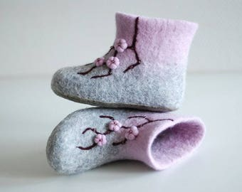 Felted children slippers home shoes baby booties custom colors HANDMADE TO ORDER