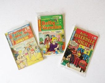 Archie Comic Book Lot // 1960's Betty & Veronica Color Comic Book Set // Three Archie Comic Books // Vintage Collectibles