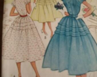 Vintage 1952 50s McCalls Dress pattern 8953 31 bust