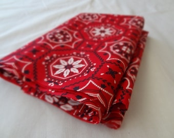 Vintage Cotton Fabric. Red. Bright and Fresh