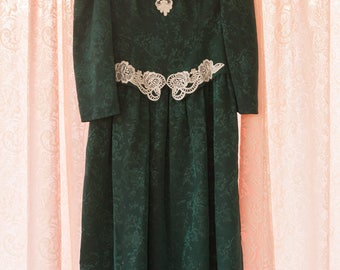 Vintage Dress  Pretty Lace Bridesmaid Bride Party Holiday Christmas 80s