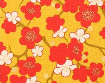 206636 chartreuse red white Asia blossom flower fabric with gold metallic from Japan