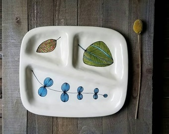 Ceramic leaf tray, foliage dish, spring leaf plate, hand drawn, woodland home decor.