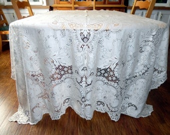 Vintage Quaker Lace Overlay Lace Tablecloth New Old Stock Countess Style 6100 ECS SVFT 72 X 90 Scalloped Edge