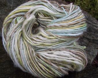 Handspun art yarn, organic Polwarth art yarn worsted thick and thin Loch Shianonn