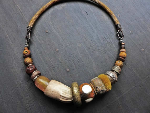 "Primitive chunky bead choker necklace - ""Geolwe"""