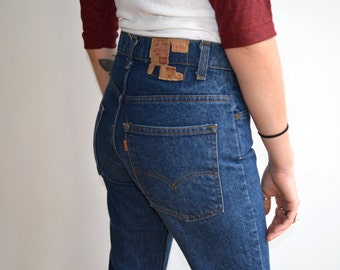 Vintage Orange Tab Levis/ 1970s Dark Wash Slim Fit/Straight Leg 519/ 30/30