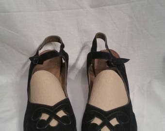 Vintage 10 1/2 navy blue heels