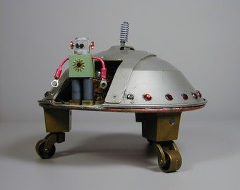 FLYING SAUCER  Found Object  Robot Sculpture Assemblage Metal