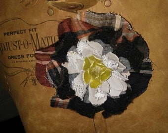 Plaid Large Floral Pin at Nestbox Vintage
