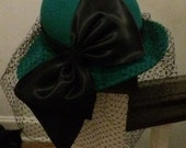 Emerald Green Wool Cloche Flapper Hat Black Satin Veil Bow 80s does 20s Miss Bierner Michael Howard 21.5""