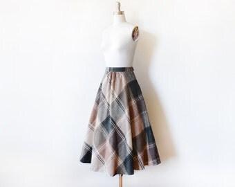 "70s plaid wool skirt, vintage 1970s skirt, brown blue green cream circle skirt, medium midi skirt, 28"" waist"