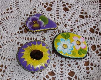 Hand Painted Idaho Rock-Acrylic Original, paper weight, shelf sitter, garden decor, sunflower, pansy, daisy, lavender, yellow, purple,