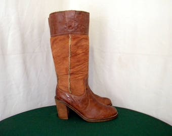 Sz 8m Vintage Tall brown leather 1990s and suede women zip up walking boots.