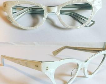 White Eyeglasses, Vintage 1960s Pearly White Cateye Glasses, New Old Stock Cat Eye Glasses, Womens Glasses Pearl White Frames, Deadstock
