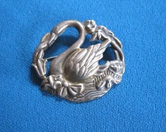 Vintage Beautiful Large Sterling Silver Swan Brooch