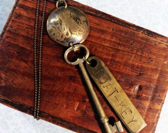 Octopus Necklace Skeleton Key Brass Steampunk - Free Domestic Shipping
