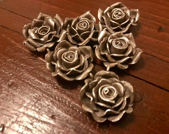 1 Beautiful Karen Hilltribe silver flower pendant