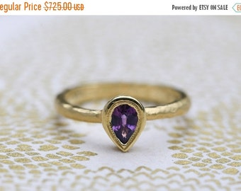 30 %off black friday sale Purple sapphire ring. Pear shape sapphire ring. 18k yellow gold sapphire ring.Purple sapphire engagement ring.Hamm