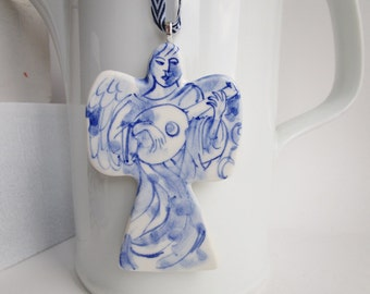 Handformed and handpainted porcelain Delft ornament/wall hanging - Angel with lute