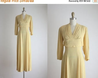 CLEARANCE. 1940s buttercream gown