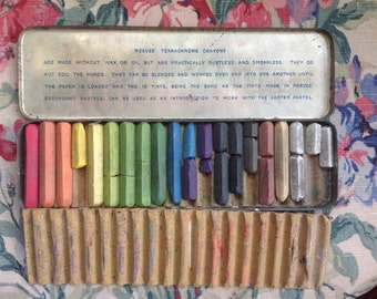Vintage Tin Reeves Artists Crayons