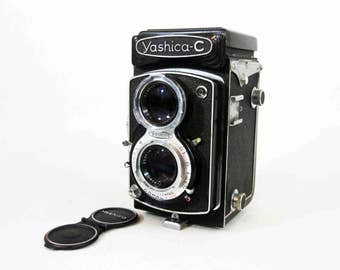 Vintage Yashika-C TLR Camera with Leather Case. Circa 1950's.