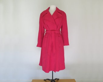 BARBIE PINK // 40s or 50s wool collared coat