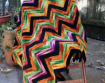 absolutely gorgeous mulit color zig zag hand crochet afghan