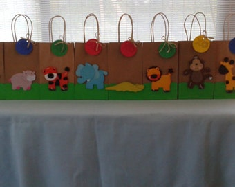 Safari animal favor bags, zoo animal party bags
