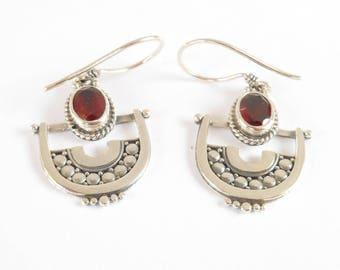 Sterling silver Garnet gemstones dangle earrings / silver 925  / 1.50 inch long
