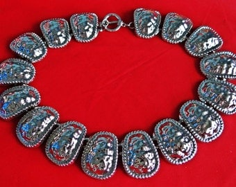 """Vintage unsigned PARK LANE silver tone 18"""" concho style necklace with toggle clasp in great condition, appears unworn"""