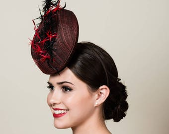 Red and Black Sinamay Percher Hat. Kentucky Derby. Ascot. Avant Garde Fascinator with Feathers. Racing Fashion. Unique 3D Headpiece.