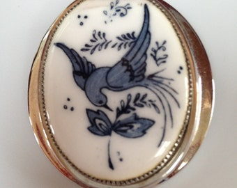 Vintage Whiting and Davis Enamel brooch