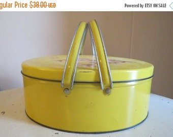 SALE Vintage Metal Sewing Basket Box with Sewing Notions