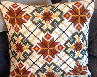 Hand made woolen cross stich pillow, Cross Stitch Cushion