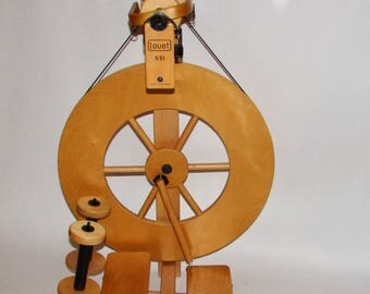 Louet S51 ST or DT Spinning wheel with 3 bobbins previously owned