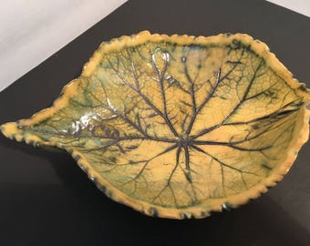 Natural begonia leaf bowl hamd made by Ruth Sachs one if a kind.